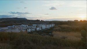 Nem díszlet város, a Ciambra valós cigány gettó  Kalarbriában